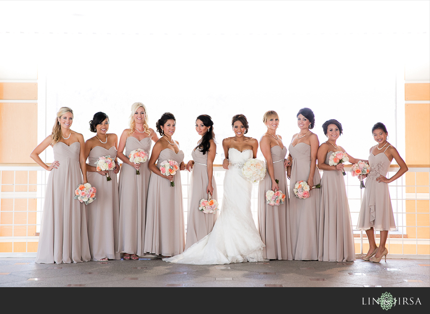 18-fairmont-newport-beach-hotel-wedding-photographer-bride-and-bridesmaids