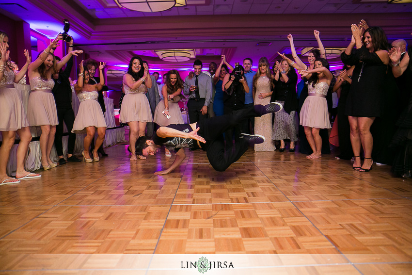 24-newport-beach-marriott-hotel-wedding-photography-wedding-reception