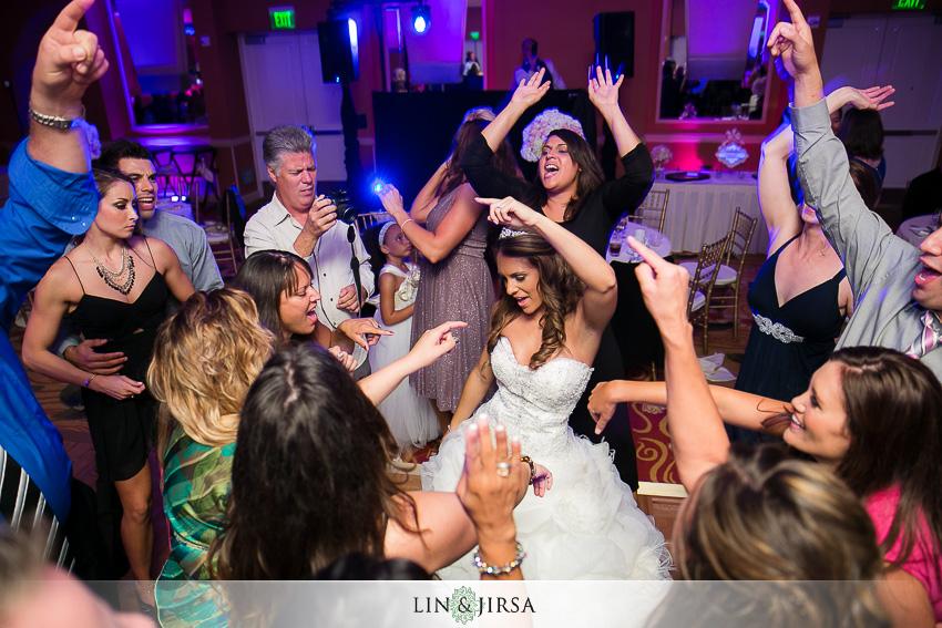 26-newport-beach-marriott-hotel-wedding-photography-wedding-reception