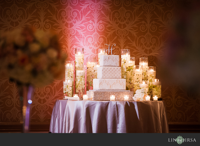 30-fairmont-newport-beach-hotel-wedding-photographer-wedding-cake