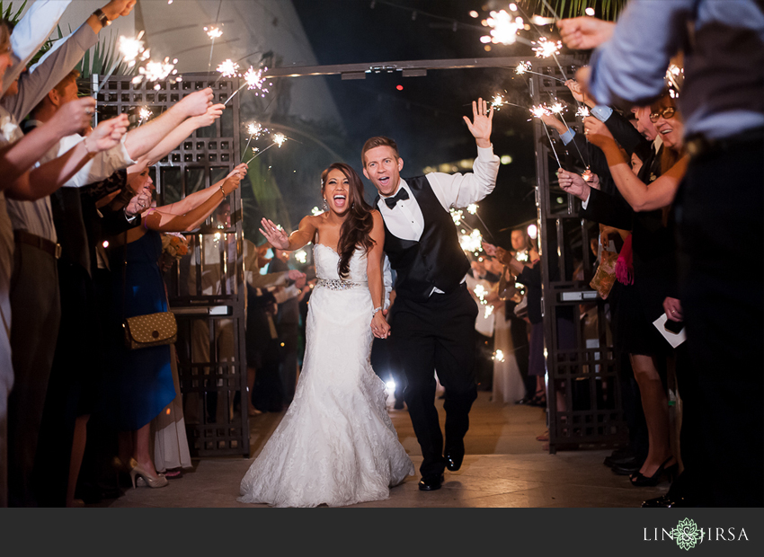 49-fairmont-newport-beach-hotel-wedding-photographer-sparkler-exit