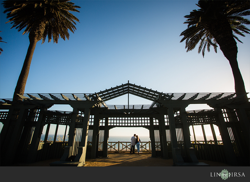02-santa-monica-engagement-photography