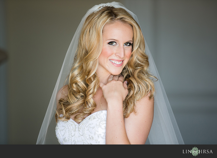 04-st-regis-laguna-beach-wedding-photographer-bride-portrait