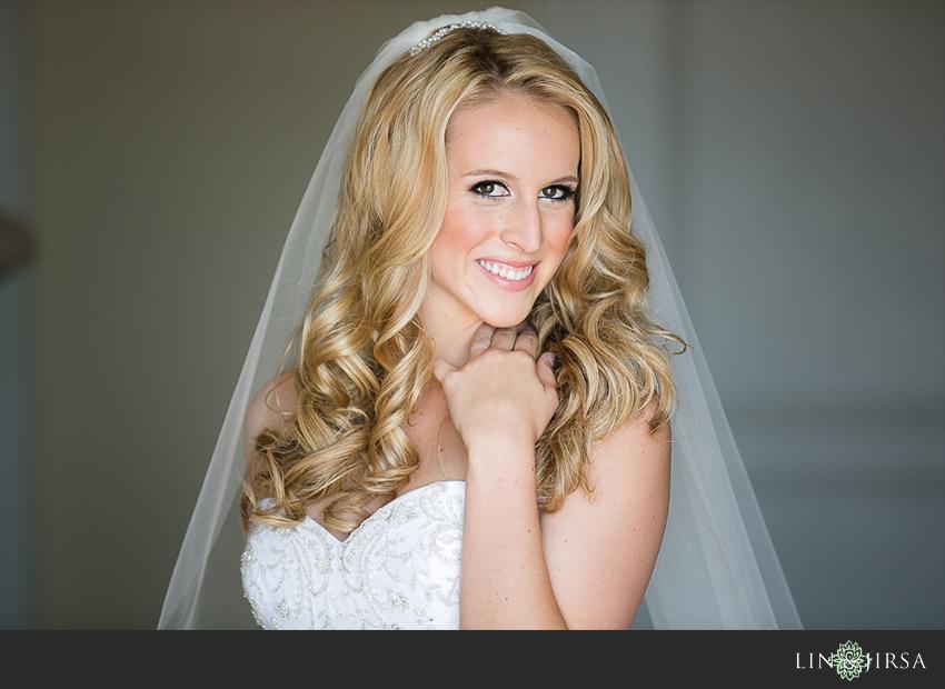 04-st-regis-laguna-beach-wedding-photographer-bride-portrait
