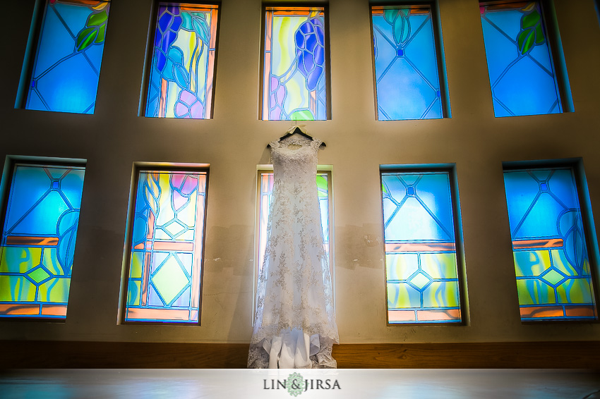 08-huntington-beach-hyatt-wedding-photography-vietnamese-catholic-wedding-dress