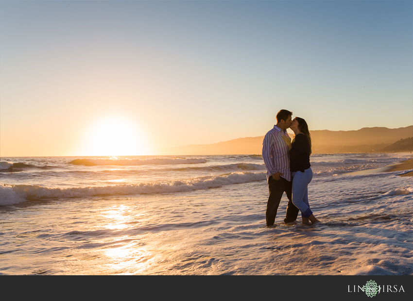 08-santa-monica-engagement-photography