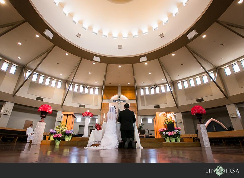 10-huntington-beach-hyatt-wedding-photography-catholic-wedding-photos