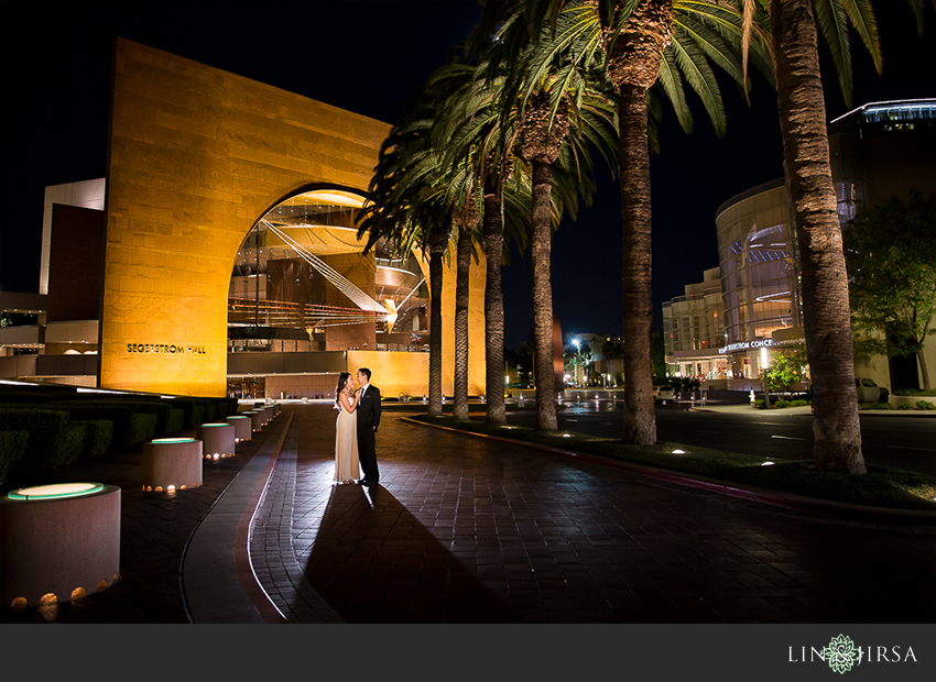 10-segerstrom-center-for-the-arts-costa-mesa-engagement-photographer