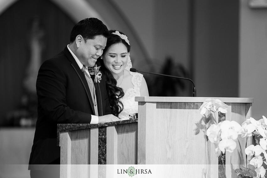 11-huntington-beach-hyatt-wedding-photography-catholic-wedding-ceremony-photos
