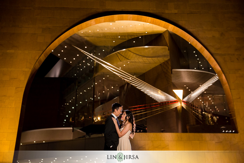 11-segerstrom-center-for-the-arts-costa-mesa-engagement-photographer