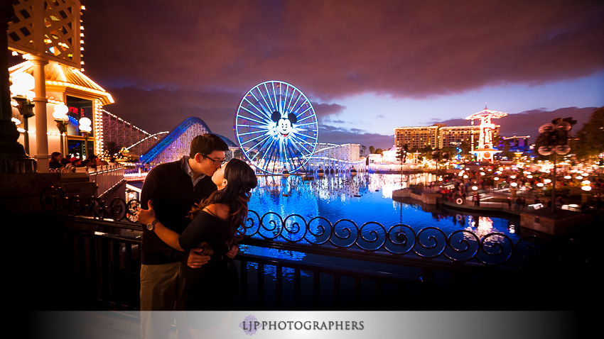 12-disneyland-resort-engagement-photographer