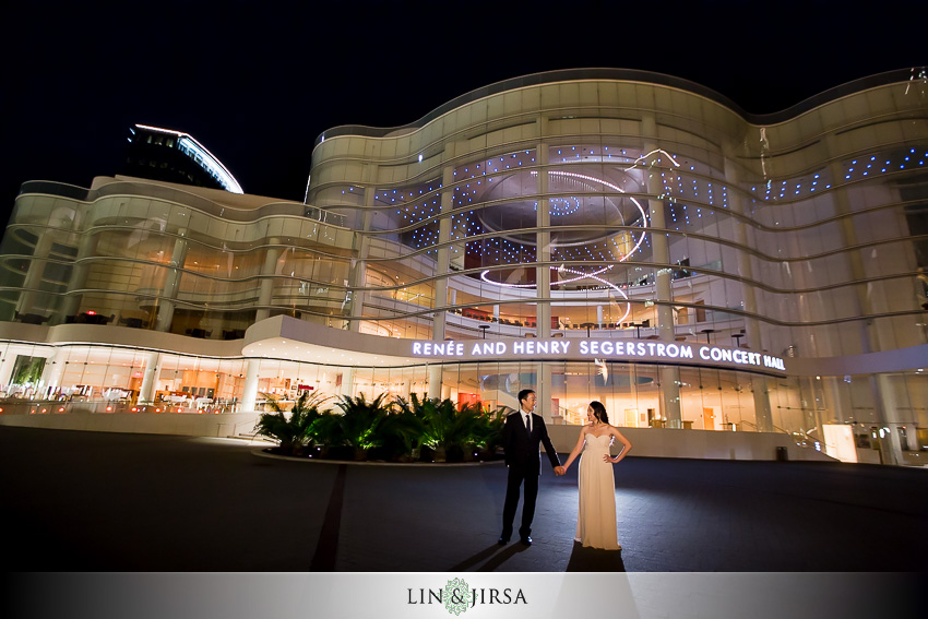 12-segerstrom-center-for-the-arts-costa-mesa-engagement-photographer