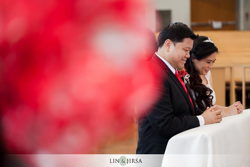 13-huntington-beach-hyatt-wedding-photography-catholic-wedding-ceremony
