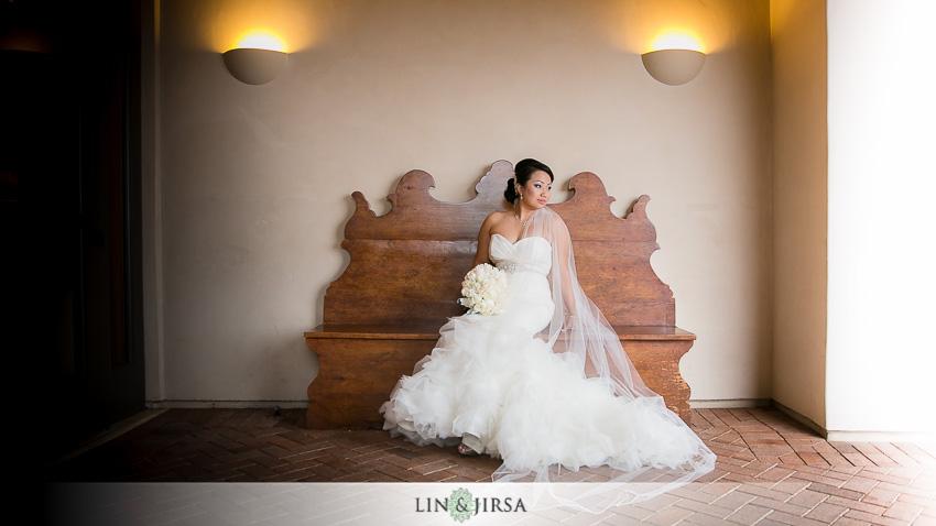 14-pelican-hill-resort-newport-beach-wedding-photographer-bride-portrait