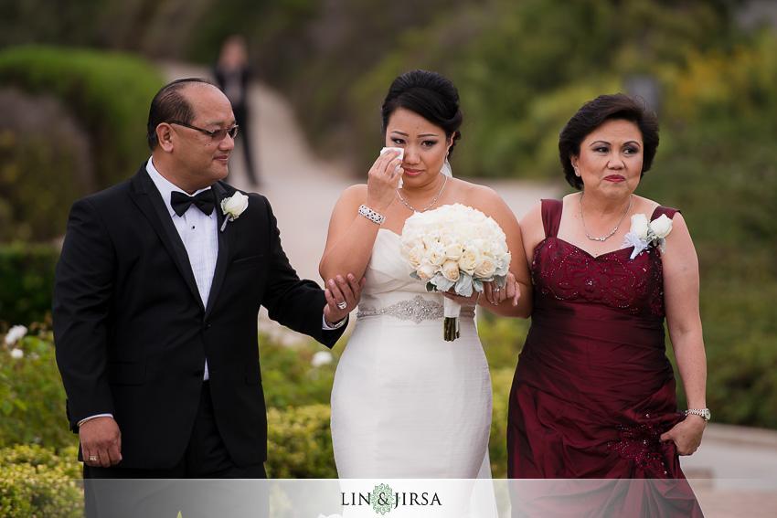 16-pelican-hill-resort-newport-beach-wedding-photographer-bride-walking-down