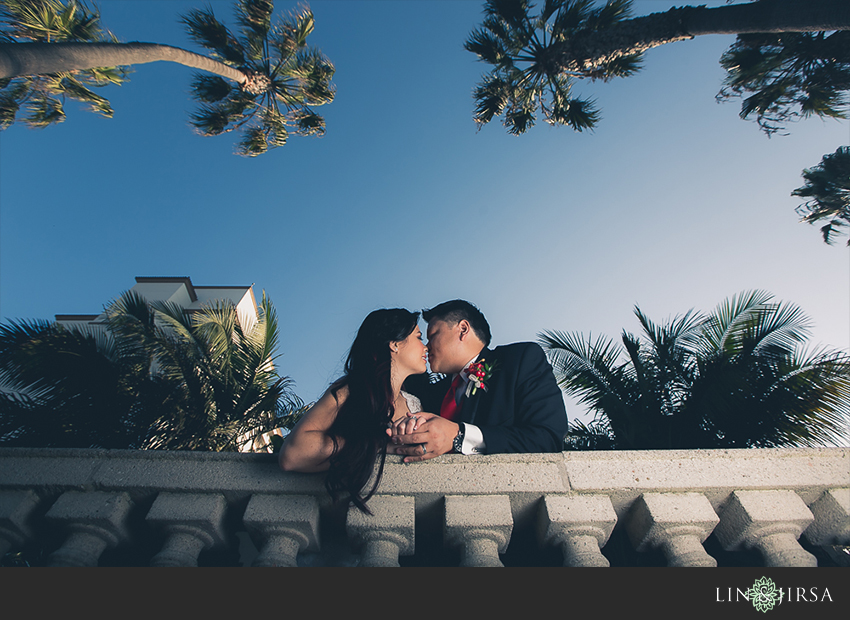 17-huntington-beach-hyatt-wedding-photography-bride-and-groom-wedding-photos