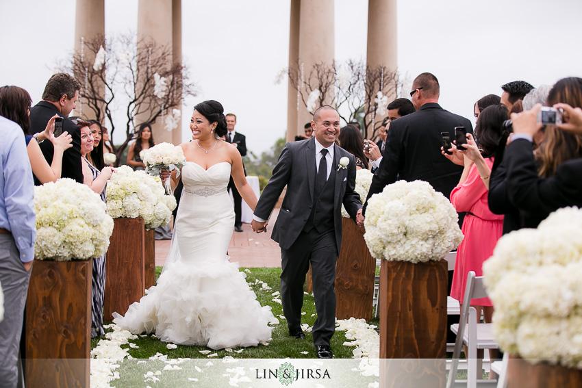 20-pelican-hill-resort-newport-beach-wedding-photographer-wedding-ceremony