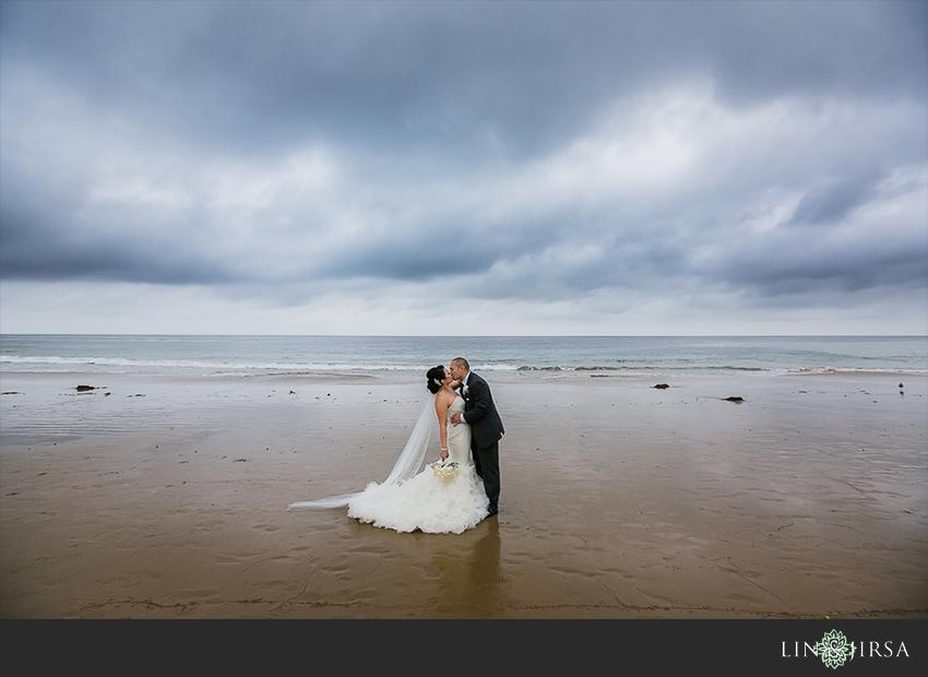 21-pelican-hill-resort-newport-beach-wedding-photographer-bride-and-groom-portraits
