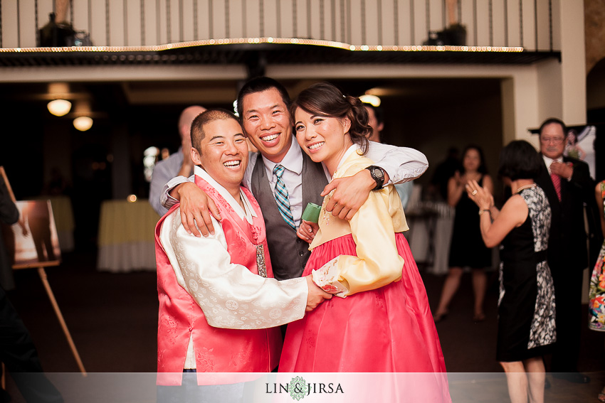 28-redondo-beach-historical-library-wedding-photographer