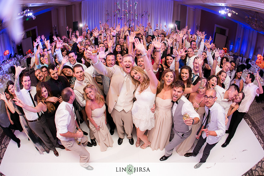 30-st-regis-laguna-beach-wedding-photographer-wedding-group-photo