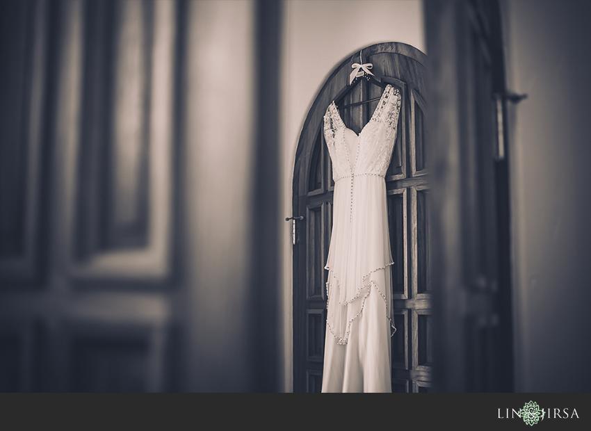 01-chateau-palmier-estate-fallbrook-wedding-photographer-wedding-dress