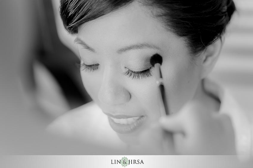 03-manchester-grand-hyatt-san-diego-wedding-photographer-bride-getting-ready