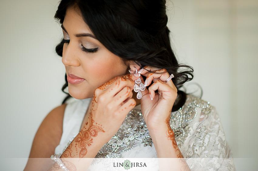 05-hilton-irvine-wedding-photographer-bride-earrings