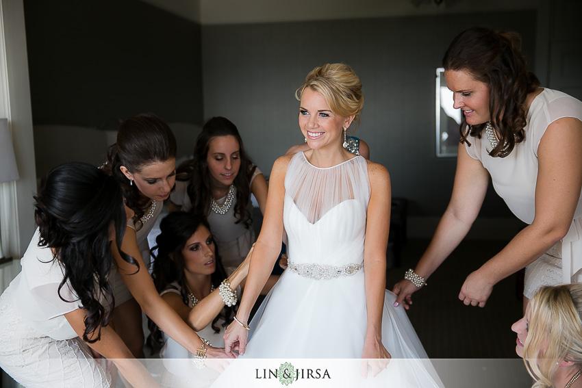 05-hotel-del-coronado-san-diego-wedding-photographer-bride-getting-ready