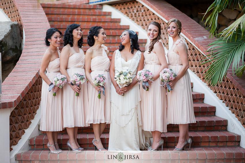 06-chateau-palmier-estate-fallbrook-wedding-photographer-bride-and-bridesmaids