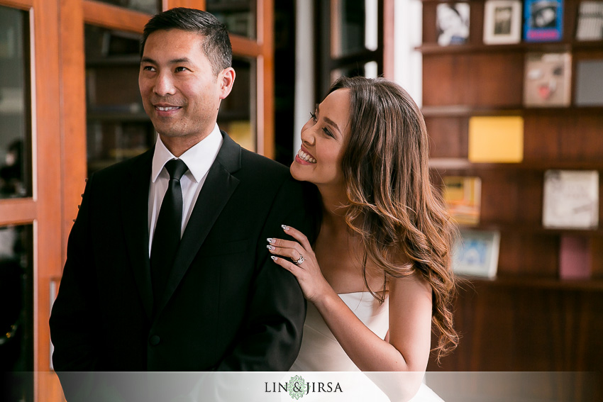 06-sls-beverly-hills-wedding-photographer-bride-and-groom-first-look