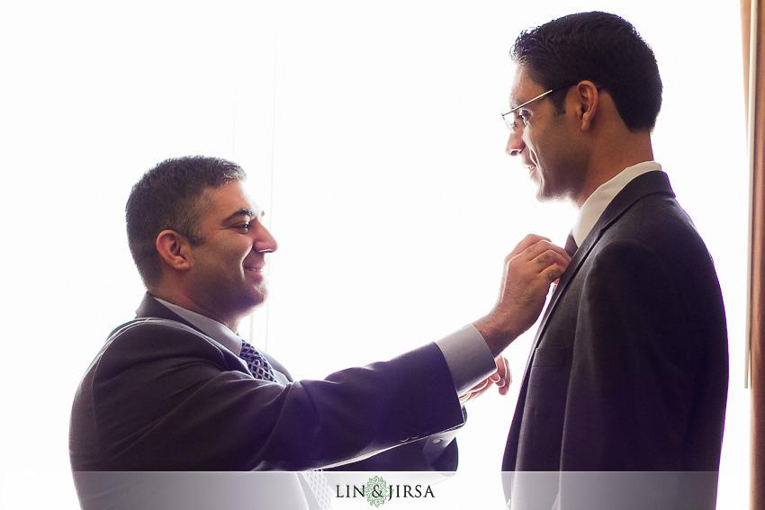 08-hilton-irvine-wedding-photographer-groom-getting-ready