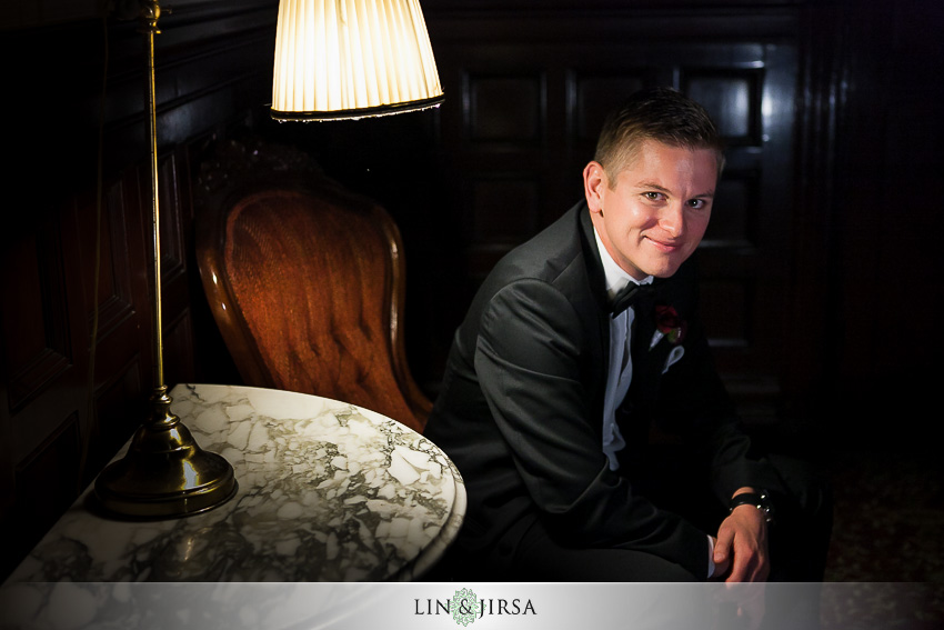 09-hotel-del-coronado-san-diego-wedding-photographer-groom-portrait