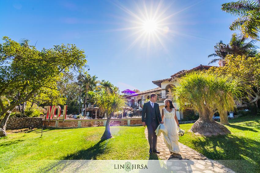 10-chateau-palmier-estate-fallbrook-wedding-photographer-bride-and-groom-wedding-portrait