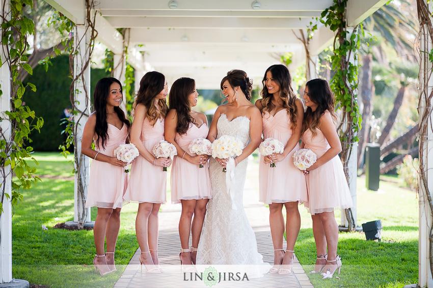 10-seven-degrees-laguna-beach-wedding-photographer-bride-with-bridesmaids