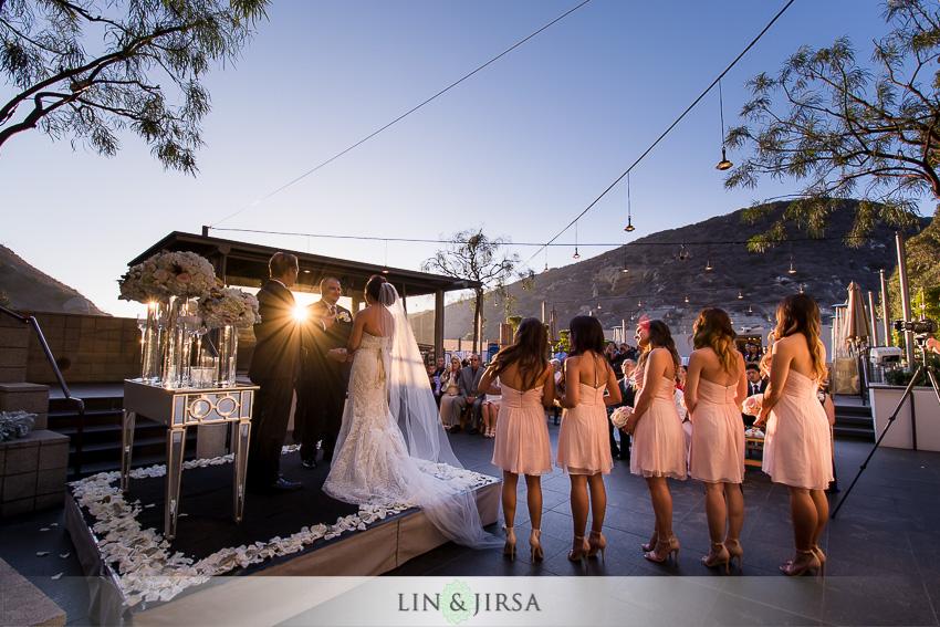 17-seven-degrees-laguna-beach-wedding-photographer-wedding-ceremony-at-the-beach