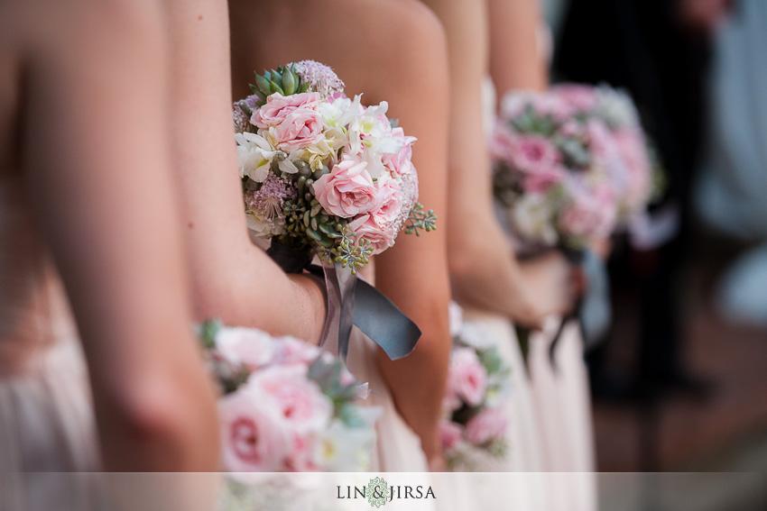 19-chateau-palmier-estate-fallbrook-wedding-photographer-bridesmaids-bouquet