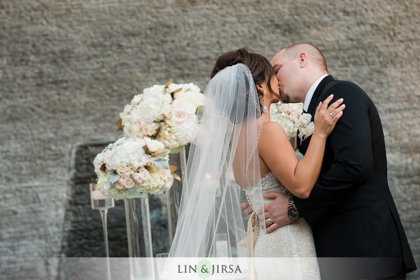 19-seven-degrees-laguna-beach-wedding-photographer-wedding-first-kiss