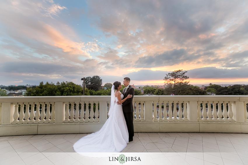 22-manchester-grand-hyatt-san-diego-wedding-photographer-romantic-wedding-photos-of-bride-and-groom-wedding-day