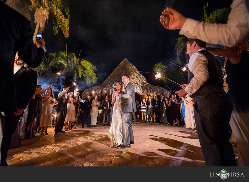 25-chateau-palmier-estate-fallbrook-wedding-photographer-bride-and-groom-first-dance