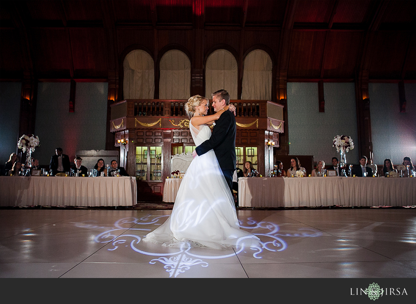 25-hotel-del-coronado-san-diego-wedding-photographer-first-dance