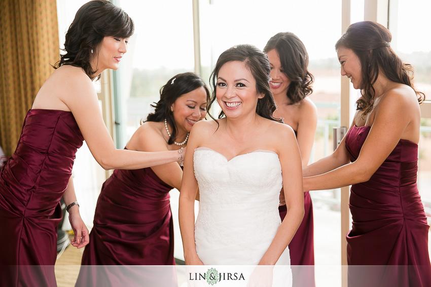 04-los-coyotes-country-club-buena-park-wedding-photographer-bride-getting-ready-wedding-day