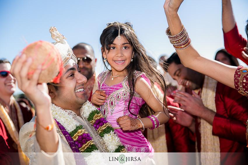 06-the-ritz-carlton-laguna-niguel-indian-wedding-photographer-outdoor-baraat-photos
