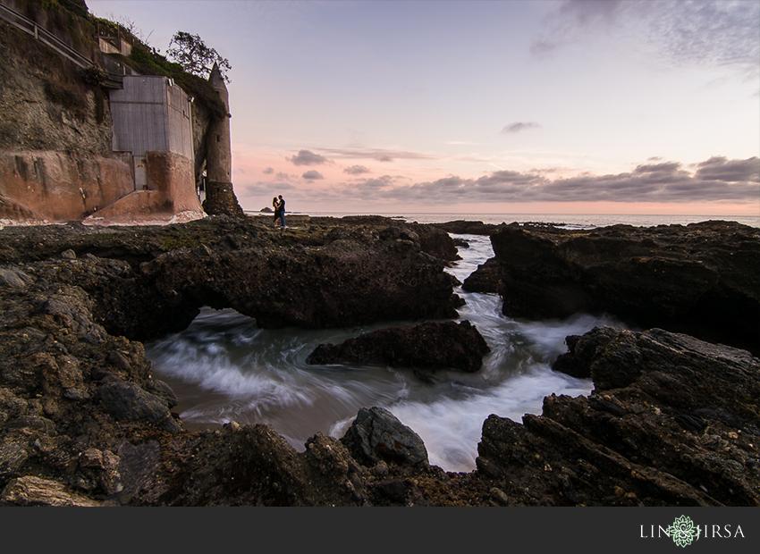 08-fun-laguna-beach-engagement-photos