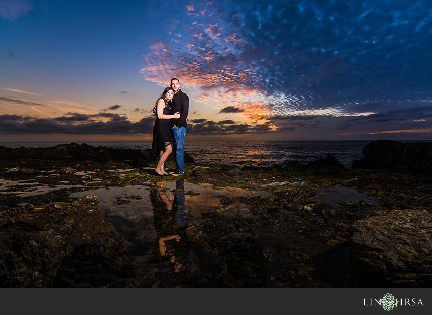 09-fun-laguna-beach-engagement-photos