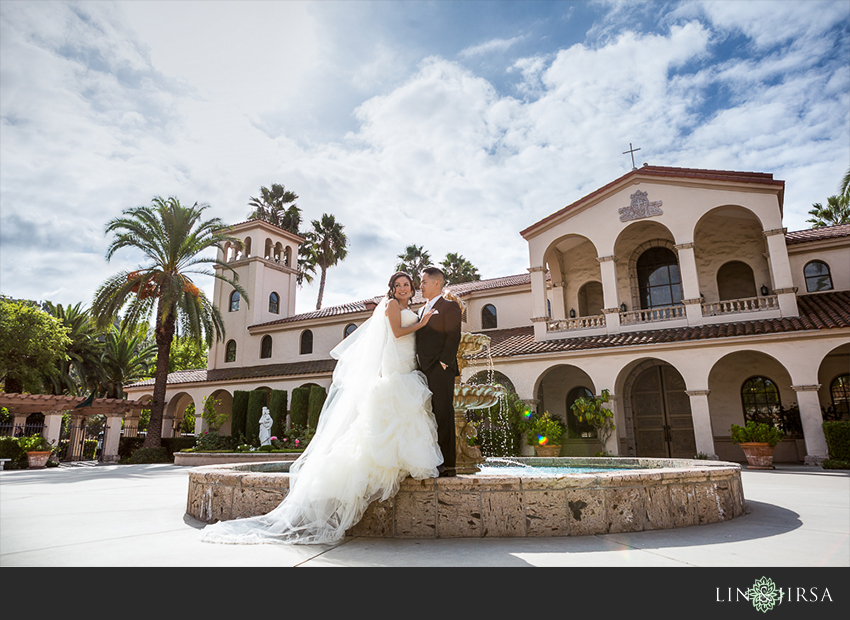 09-los-coyotes-country-club-buena-park-wedding-photographer-bride-and-groom-wedding-day-portraits