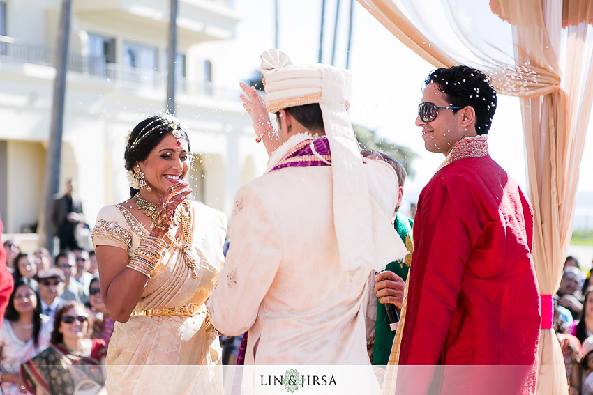 09-the-ritz-carlton-laguna-niguel-indian-wedding-photographer-outdoor-indian-ceremony-photos