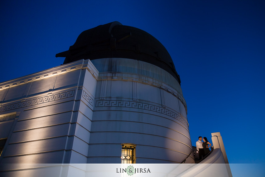 10-los-angeles-griffith-observatory-engagement-photographer