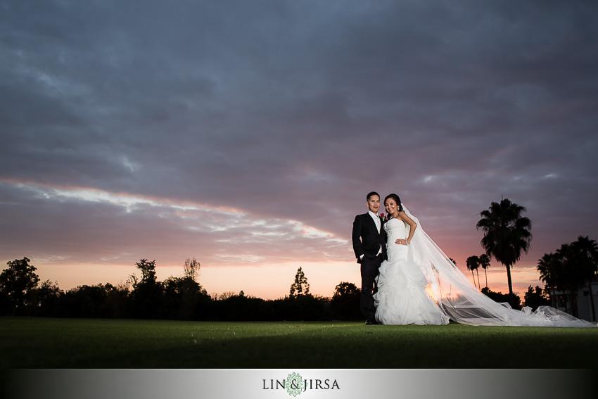 10-los-coyotes-country-club-buena-park-wedding-photographer-bride-and-groom-wedding-day-portraits