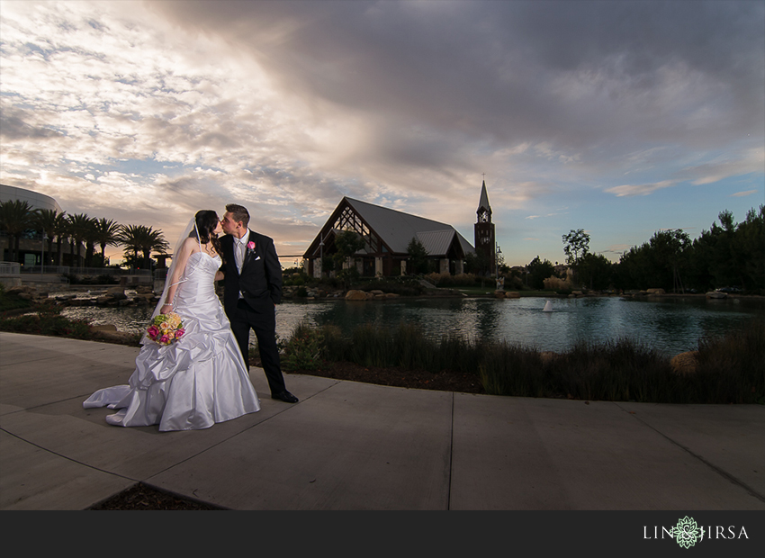 15-mariners-church-irvine-wedding-photographer