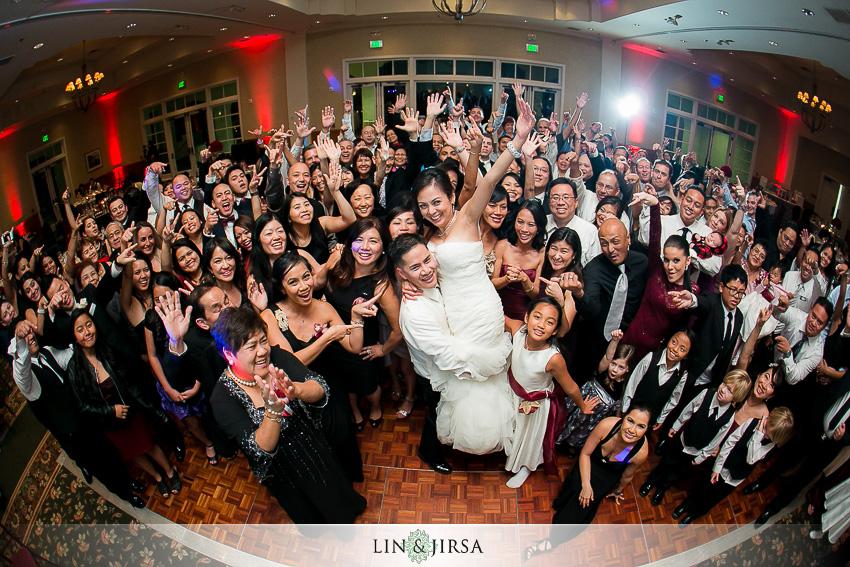 27-los-coyotes-country-club-buena-park-wedding-photographer-wedding-group-photo